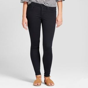 Universal Thread Black Mid-Rise Jeggings Size 4 27